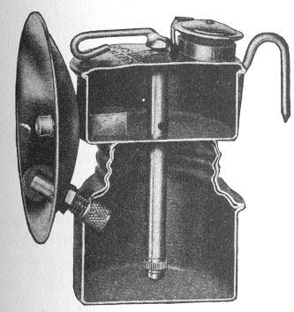 Карбидная лампа в разрезе